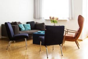 Blick in den Raum der Praxis für Paartherapie Julia Bellabarba, Berlin